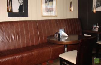 Мягкая мебель для кофейни